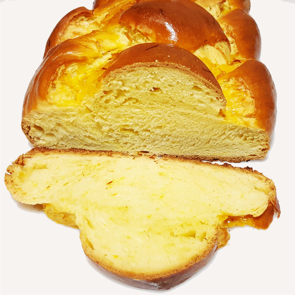 saffron bread the yeast plait is a great alternative to cake also concerning calories - Colorant Safran